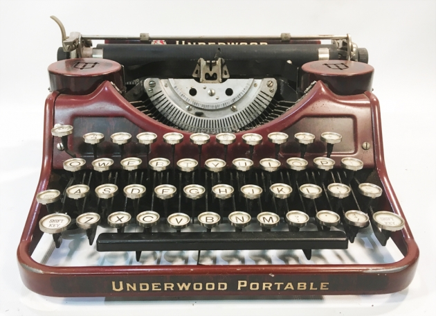 "Underwood ""Portable 4 Bank"" from the front..."