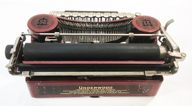 "Underwood ""Portable 4 Bank"" from the back..."