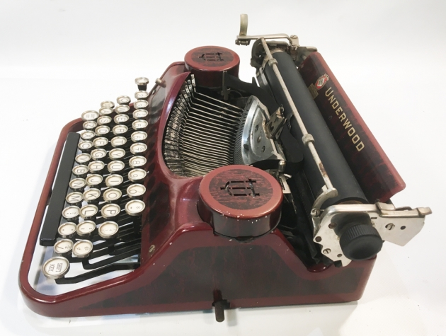 "Underwood ""Portable 4 Bank"" from the right side..."