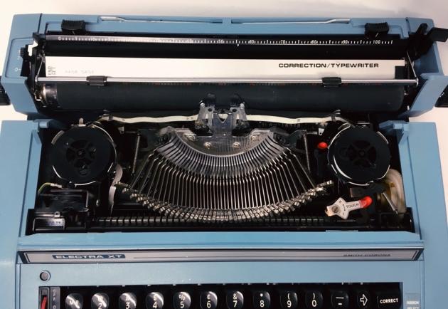 """Smith-Corona """"Electra XT"""" from under the hood..."""