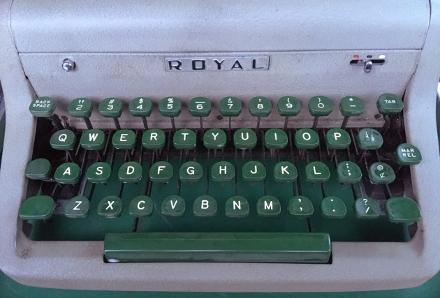 "Royal ""Quiet De Luxe"" from the keyboard..."