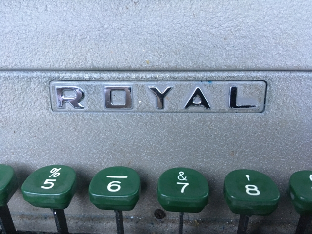 "Royal ""Quiet De Luxe""  logo on the front..."