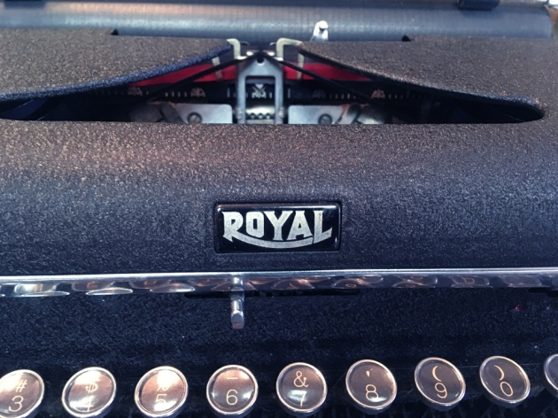 """Royal """"Quiet De Luxe"""" from the logo onn the front..."""