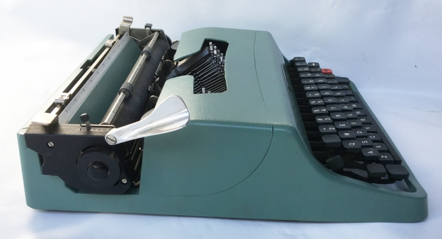 "Olivetti ""Lettera 32"" from the left side..."