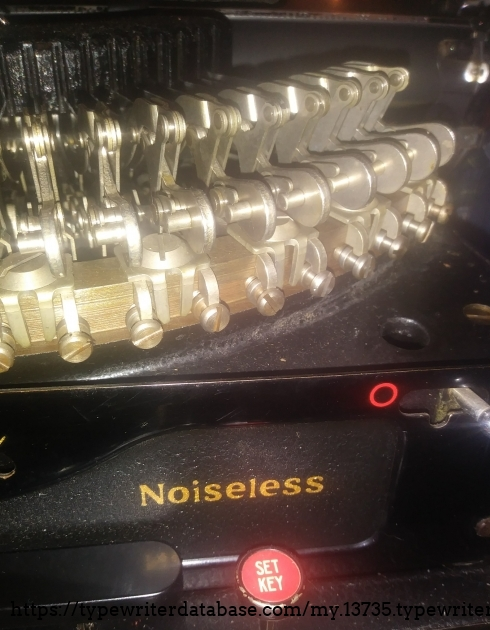 Part of that brilliant Noiseless mechanism. I think,this is the prettiest photo of the typewriter.