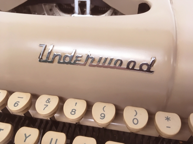 """Underwood """"De Luxe"""" from the logo on the top..."""