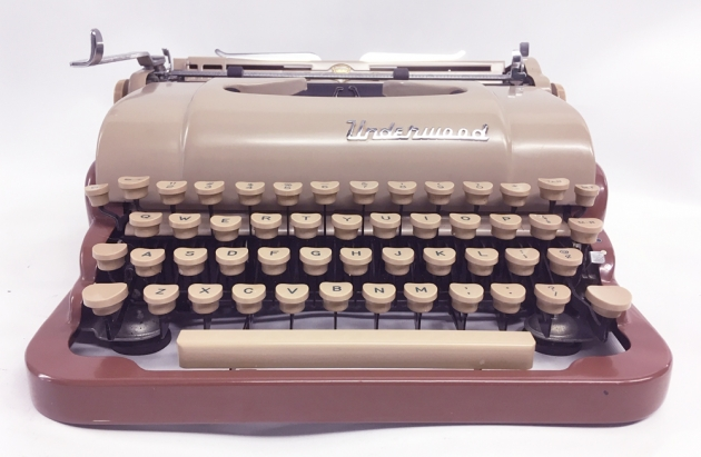 """Underwood """"De Luxe"""" from the front..."""