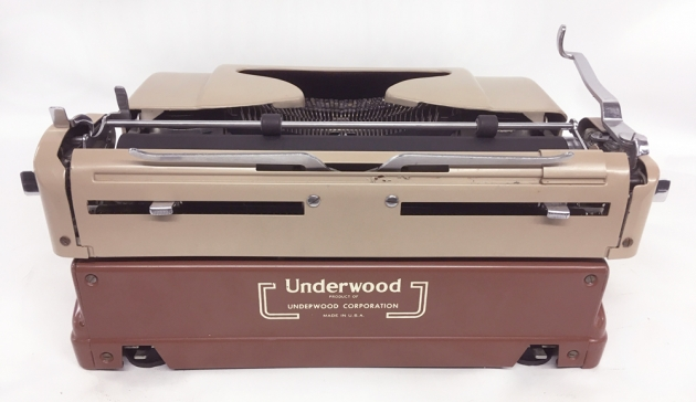 """Underwood """"De Luxe"""" from the back..."""