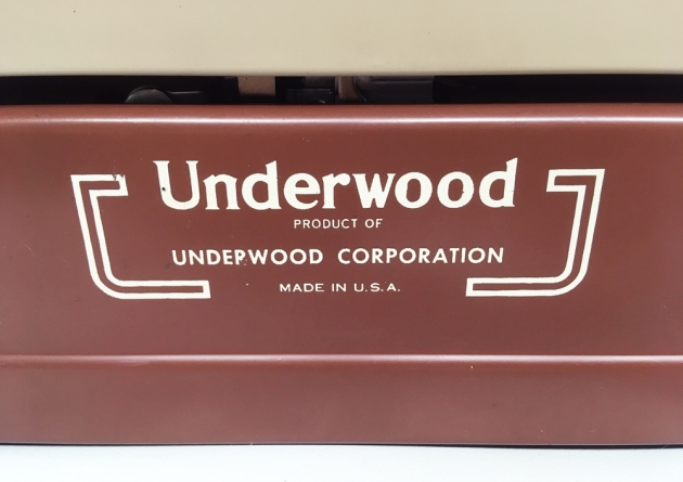 """Underwood """"De Luxe"""" from the back, detail..."""