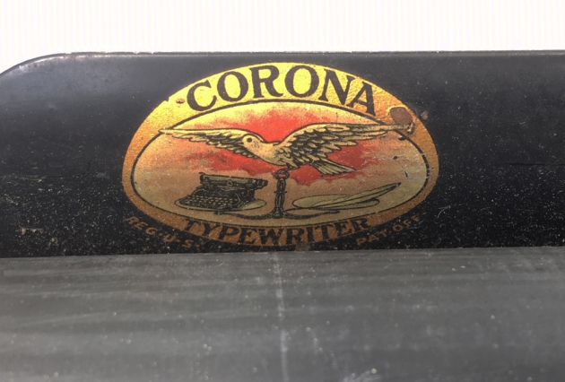 "Corona ""3"" from the logo on the top..."