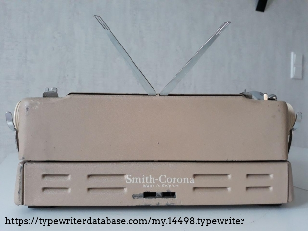 Smith-Corona Silent-Super back