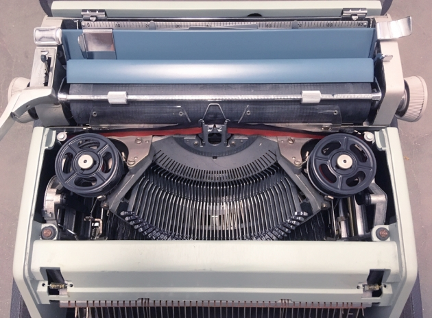 "Olivetti-Underwood ""21"" from under the hood..."
