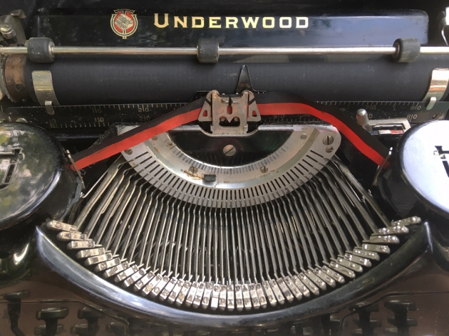 "Underwood ""Portable"" (4 Bank) from under the hood..."