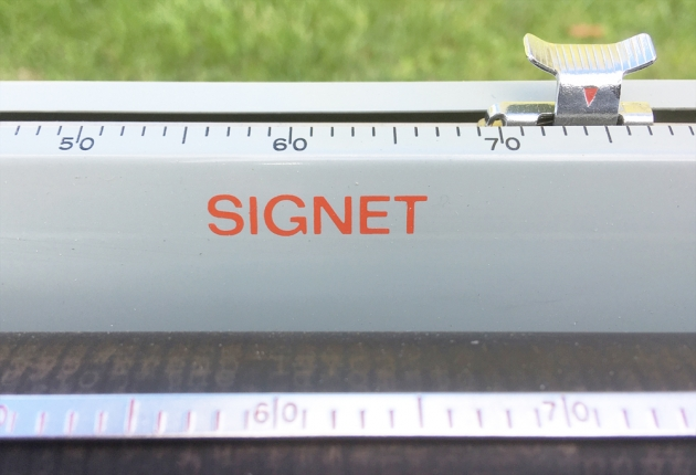 """Royal """"Signet"""" from the model logo on the top..."""