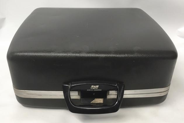 """Smith Corona """"Electra 110""""   travel case..."""