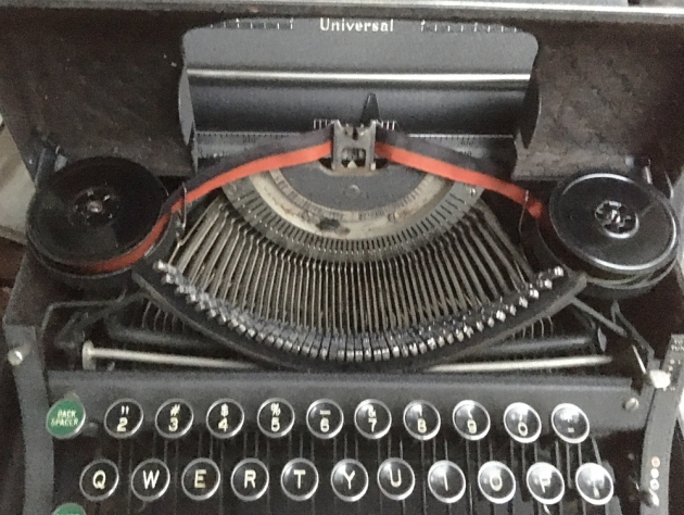 "Underwood ""Universal"" from under the hood.."