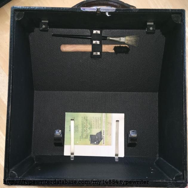 Klein-Continental 100 #R246925# - Case lid inside