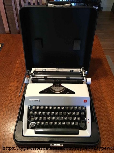 1972 Olympia SM9 with case