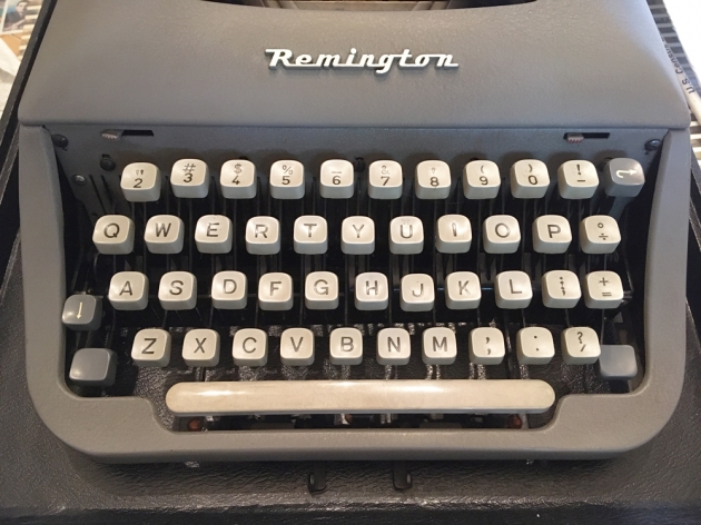 """Remington """"Travel-Riter"""" from the keyboard..."""