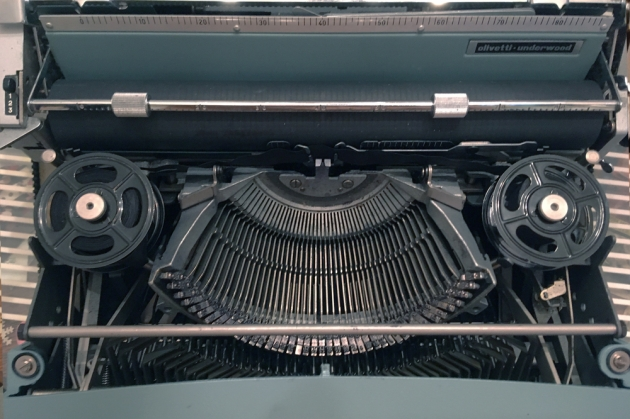 """Olivetti """"Lettera 32""""  from under the hood..."""