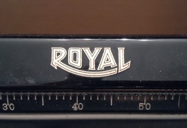 """Royal """"O"""" from the maker logo on the top..."""