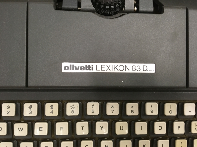"""Olivetti """"Lexikon 83 DL"""" from the front..."""