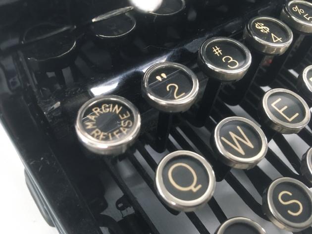 """Royal """"O"""" glass top key detail..."""