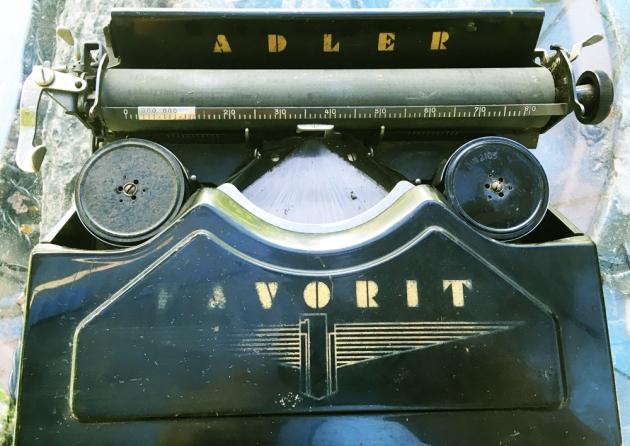 """Adler """"Favorit"""" from under the hood..."""