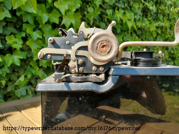 Damaged Torpedo 6 platen knob