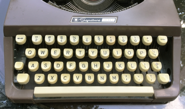 """Montgomery Ward """"Signature 100"""" from the keyboard..."""