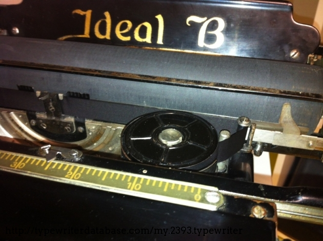 The ribbon used on this typewriter is 16mm wide.
