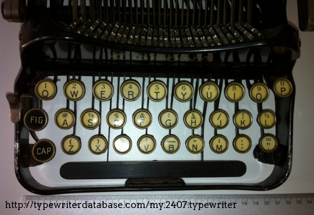 The three-row keyboard helps reducing the overall measures, though required some training when the typist was used to a standard 4-bank typewriter.