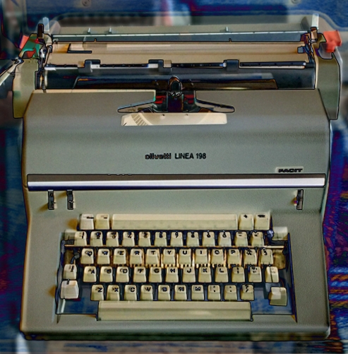 """Is the Olivetti Linea 198 a poorly-executed copy of this typewriter's design? This picture shows a Photoshop """"difference"""" image of a LInea 198 combined with the Facit. The external geometry seems very close if not identical."""