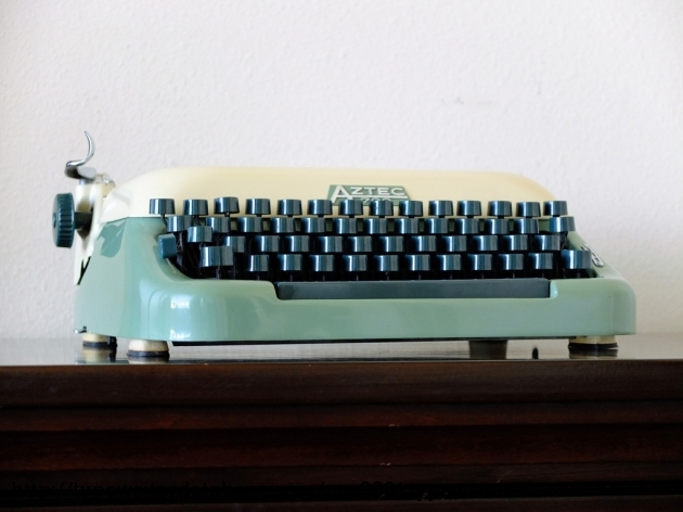 1962 Aztec Erika 700 Typewriter 1922704 Twdb