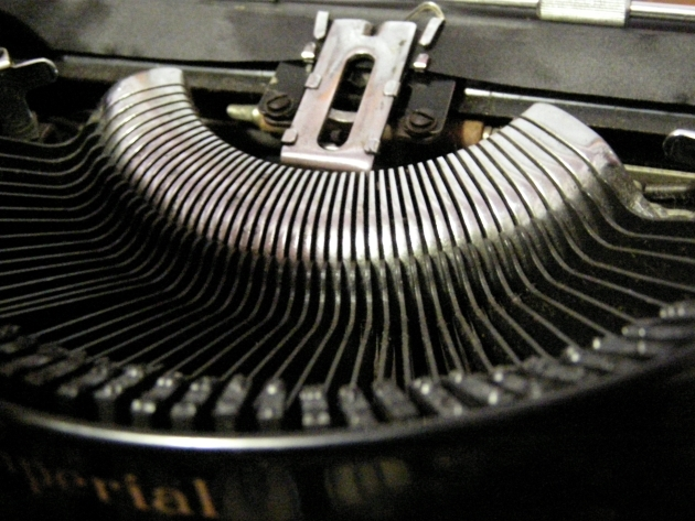 One of those waterfall-like segments which really catches the eyes when this machine is in a line of typewriters for sale as it was when I got it.