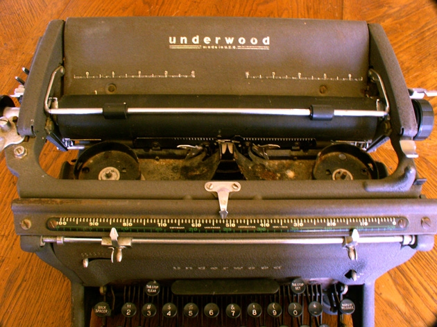 ... that neat Underwood front readout....