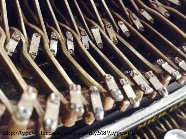 Double row of typebars