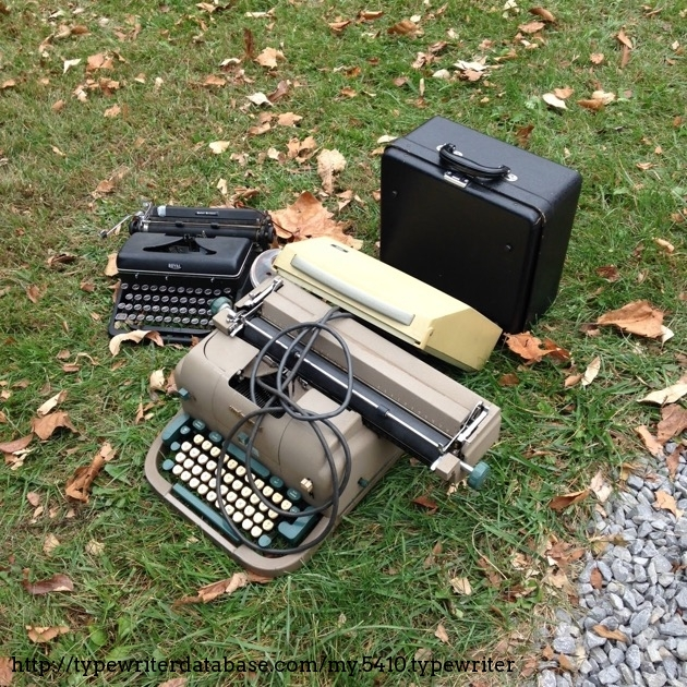 Here it is in the grass at the 8th annual Antique Typewriter Collector's Meeting (2015) in Morgantown, WV! (Photo credit: Richard Polt)