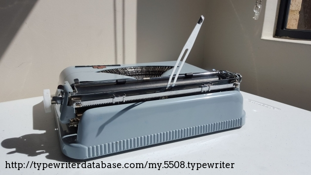 royal epoch manual typewriter review