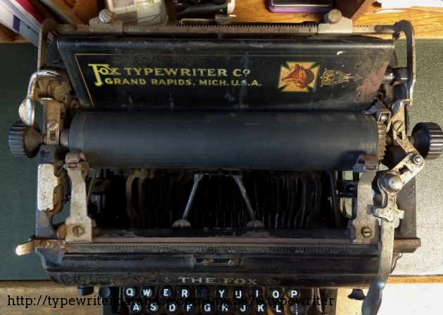 Before restoration: Fortunately, the rust did not go deep into the machine.