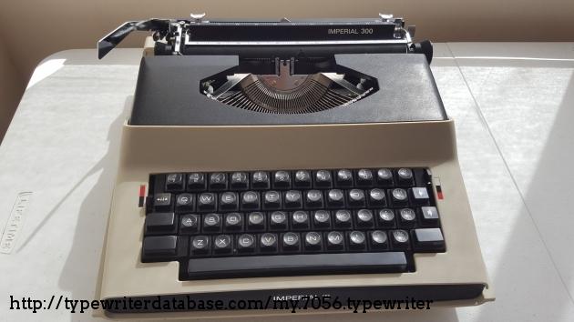 royal epoch manual typewriter review