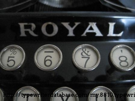 A closer look at the keys, and the Royal top decal