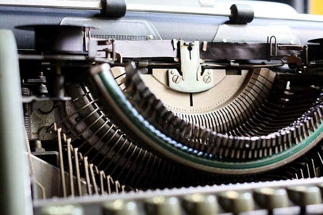Dual segment: note the second ring with slots for the typebars/typebar levers below the regular one above