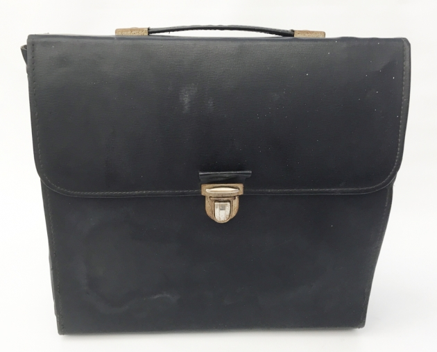 """Royal """"Astronaut"""" leather travel case..."""