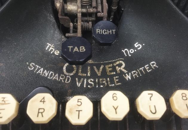 """Oliver """"5"""" front bottom detail 2,,,"""