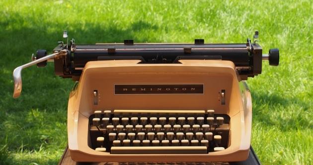http://typewriterdatabase.com/img/gRemington%20_2603_1402606524.jpg