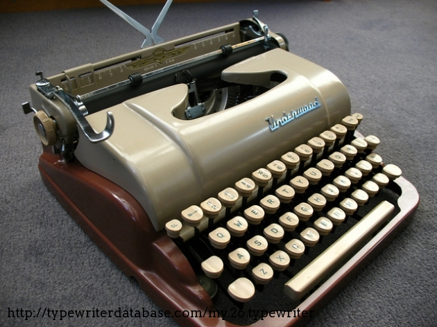 1954 Underwood De Luxe