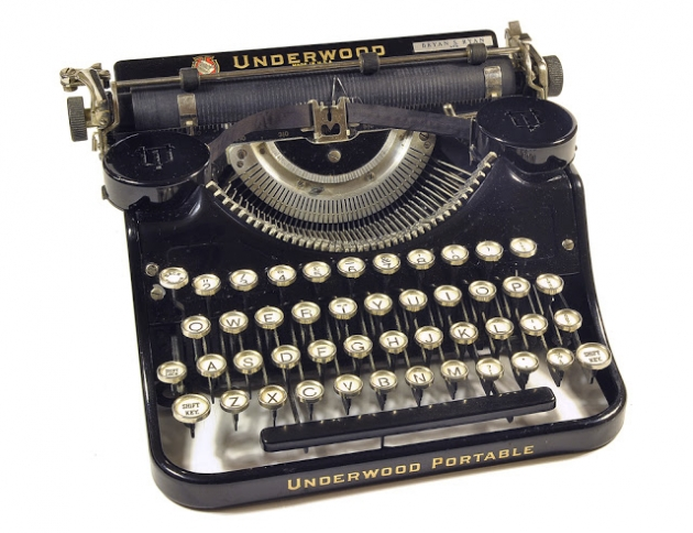 1933 Underwood Portable 4 Bank