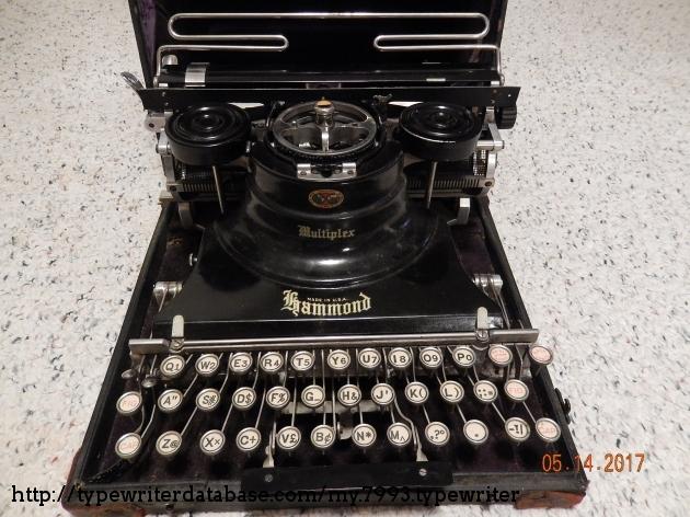 http://typewriterdatabase.com/img/ghammond%20_7993_1494765129.jpg