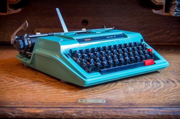 1976 Kmart (Brother) 300 Deluxe 12 Typewriter #C6989659 TWDB